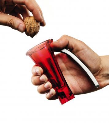 Casse noix conecracker rouge pas a pas 1 copie