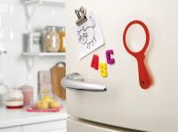 Loupe magnet fridge mag rouge situ 2