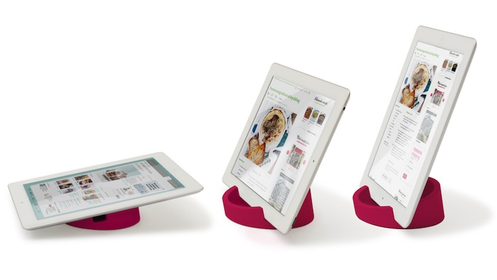 Support tablette tablet stand fushia situ 1 copie